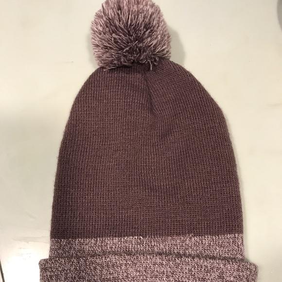 Carhartt Pom Pom Hat. M 5ad5e0559a9455cf0bc764d4 7de86251f7c